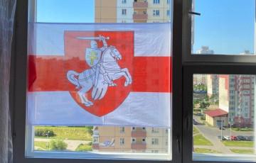 «Каждый день в 19:00 шумлю на балконе и в это время счастлив, потому что со мной вся страна»