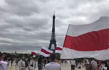 Страна Шагала против диктатуры: как прошел парижский митинг солидарности с Беларусью