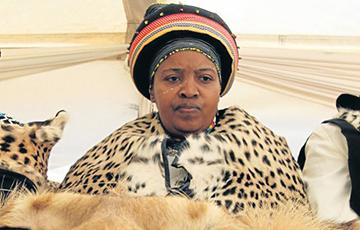 В Южной Африке от COVID-19 умерла королева