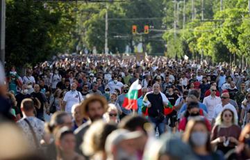 Дэманстранты ў Баўгарыі дабіліся замены траіх міністраў