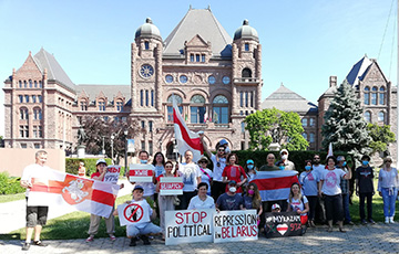Фотофакт: Белорусы Канады провели акцию солидарности