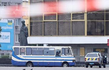 В украинском Луцке рядом с захваченным автобусом произошел взрыв