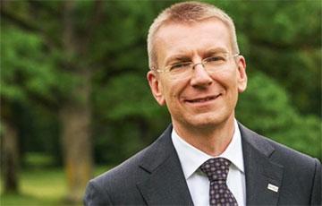Глава МИД Латвии: Поднятие бело-красно-белого флага на ЧМ по хоккею было правильным