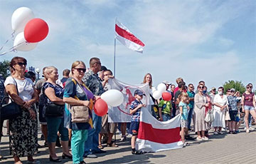 Арт-группа «Кто, кроме нас» записала манифест об объединении белорусов