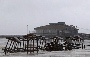 На США обрушился мощный ураган «Ханна»: фото и видео стихии