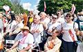 Видеофакт: Огромная вереница людей после митинга в Гродно