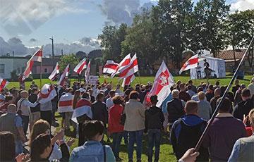 Белорусы вышли на митинги в Россонах, Новогрудке, Клецке и Кричеве