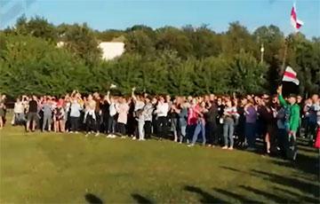 В Чечерске и Дятлово прошли митинги в поддержку Тихановской
