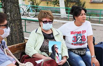 Активистки «Матери 328»: Люди — за Тихановскую, Лукашенко не удержится