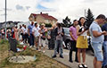 People In Liabiazhy Microdistrict Queue For 3 Hours To Vote