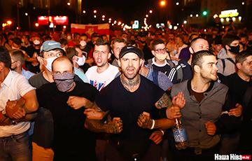 Дмитрий Бондаренко: Мы не должны бить омоновцев, мы должны их судить