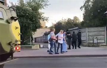 Зверства карателей в Гродно: против людей бросили бронетехнику