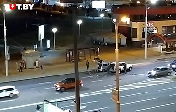 В Минске на Каменной горке лукашисты таранили автомобили граждан