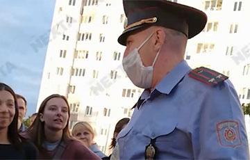 Начальник милиции в Боровлянах - протестующим: Вас никто трогать не будет. Мне здесь с вами жить