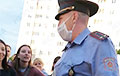 Police Chief In Barauliany To Protesters: No One Will Touch You. I Am To Live Here With You