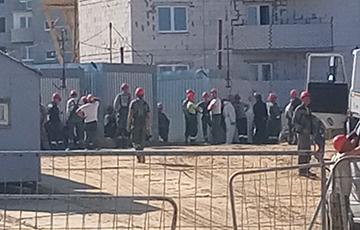 Hrodnazhylstroi Goes On  Strike