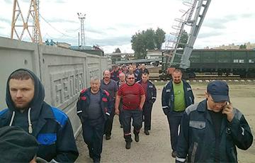 Работники БелАЗа объявили забастовку
