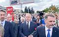 Послы разных стран возложили цветы к месту гибели демонстранта в Минске
