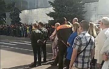 Гродненский «Белкард» объявил забастовку