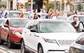 Автомобилисты встали на проспекте Независимости
