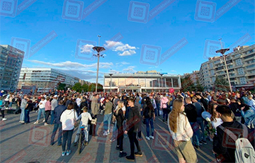 У Дворца железнодорожников в Минске собрались работники БЖД