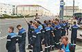 «Следующая станция — новый президент»: работники метро вышли на протест