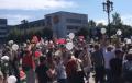 В Борисове сотни людей собрались у здания райисполкома