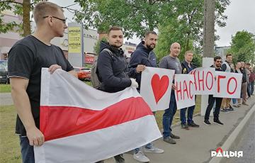 Витебские айтишники протестуют против милицейского насилия и официальных результатов выборов