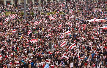 Сотни тысяч демонстрантов второе воскресенье подряд заняли весь центр Минска