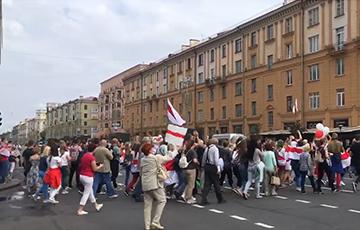 Протестующие вышли на проезжую часть