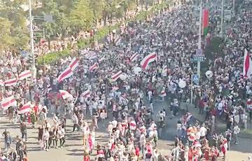 Протестующие направились в сторону Немиги