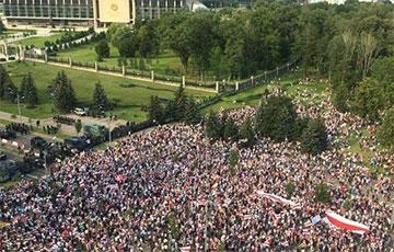 Минск вызывает диктатора на разговор
