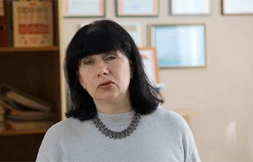 Директор школы №196 Минска записала видеообращение со словами благодарности милиции