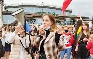 Студентка на женском марше произнесла трогательную речь