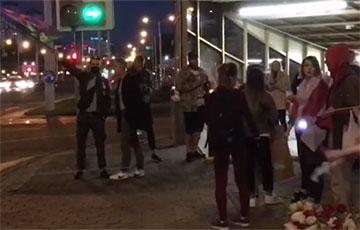 Минчане собрались на станции метро Пушкинская