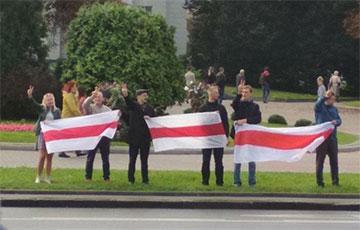 Минчане выстраиваются в цепи солидарности