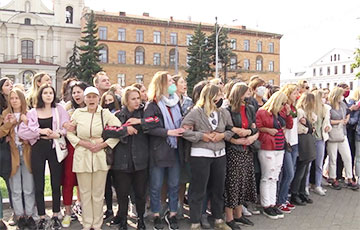 Как смелые белоруски стояли друг за друга в оцеплении карателей