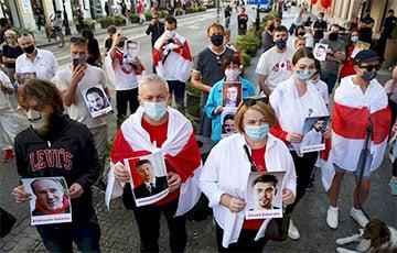 Акция в Варшаве: Свободу белорусским героям!