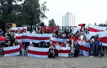 Белорусы вышли на традиционные вечерние акции солидарности