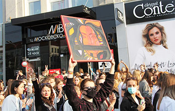Женский марш в лицах и лозунгах