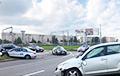 Сопровождавшая колонну спецтехники машина ГАИ столкнулась с легковым авто
