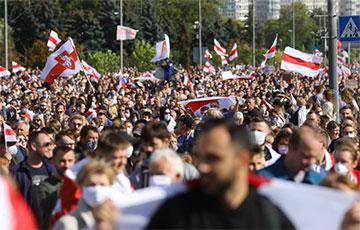 Более 150 тысяч протестующих сейчас идут к Дроздам