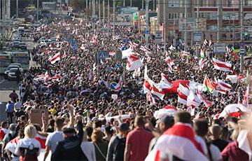Прадстаўнікі мікрараёнаў беларускіх гарадоў заклікалі пачаць Генеральны наступ на ўзурпатара