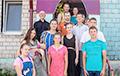 Как коронавирус перевернул всю жизнь многодетной семьи из Глусского района