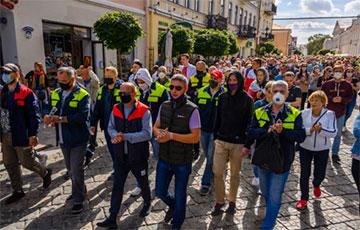 Рабочие «Химволокно» в Гродно продолжают забастовку