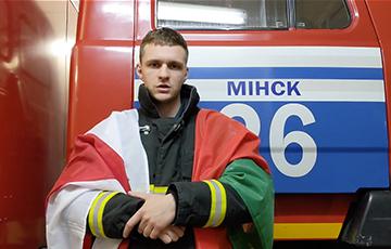 Минчане поблагодарили сотрудника МЧС, который выступил в защиту национальных флагов