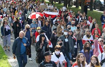 В Беларуси проходят Марш молодости и Женский марш (Онлайн)