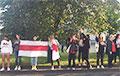 Над местом массовых задержаний появился дрон с огромным национальным флагом