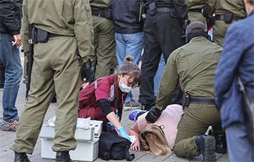 В Минске трем женщинам стало плохо во время нападения карателей