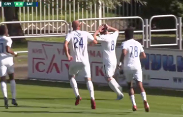 Футболист «Слуцка» отпраздновал гол в ворота БАТЭ протестным жестом